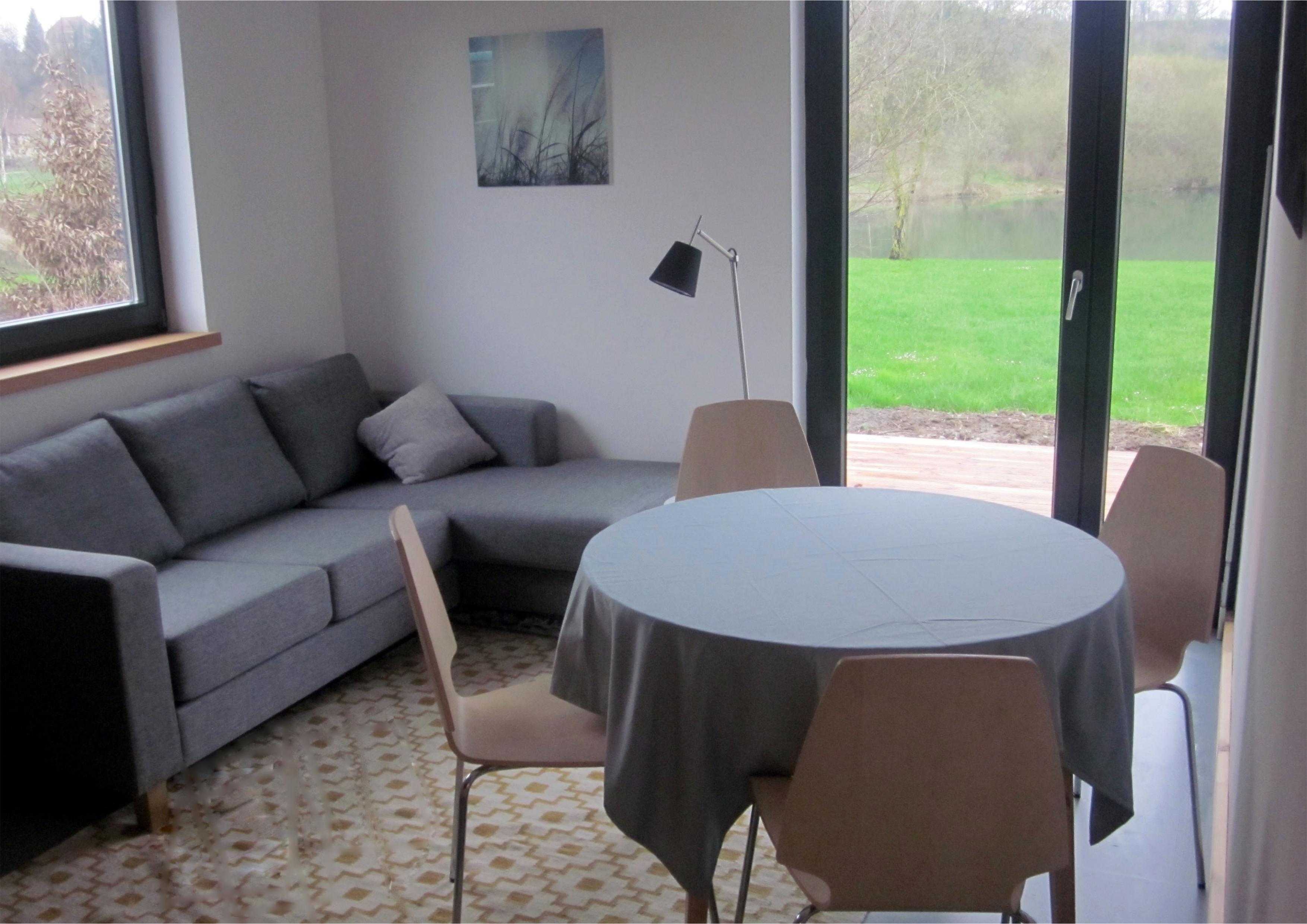 wohnzimmer bungalow seencamping krauchenwies. Black Bedroom Furniture Sets. Home Design Ideas