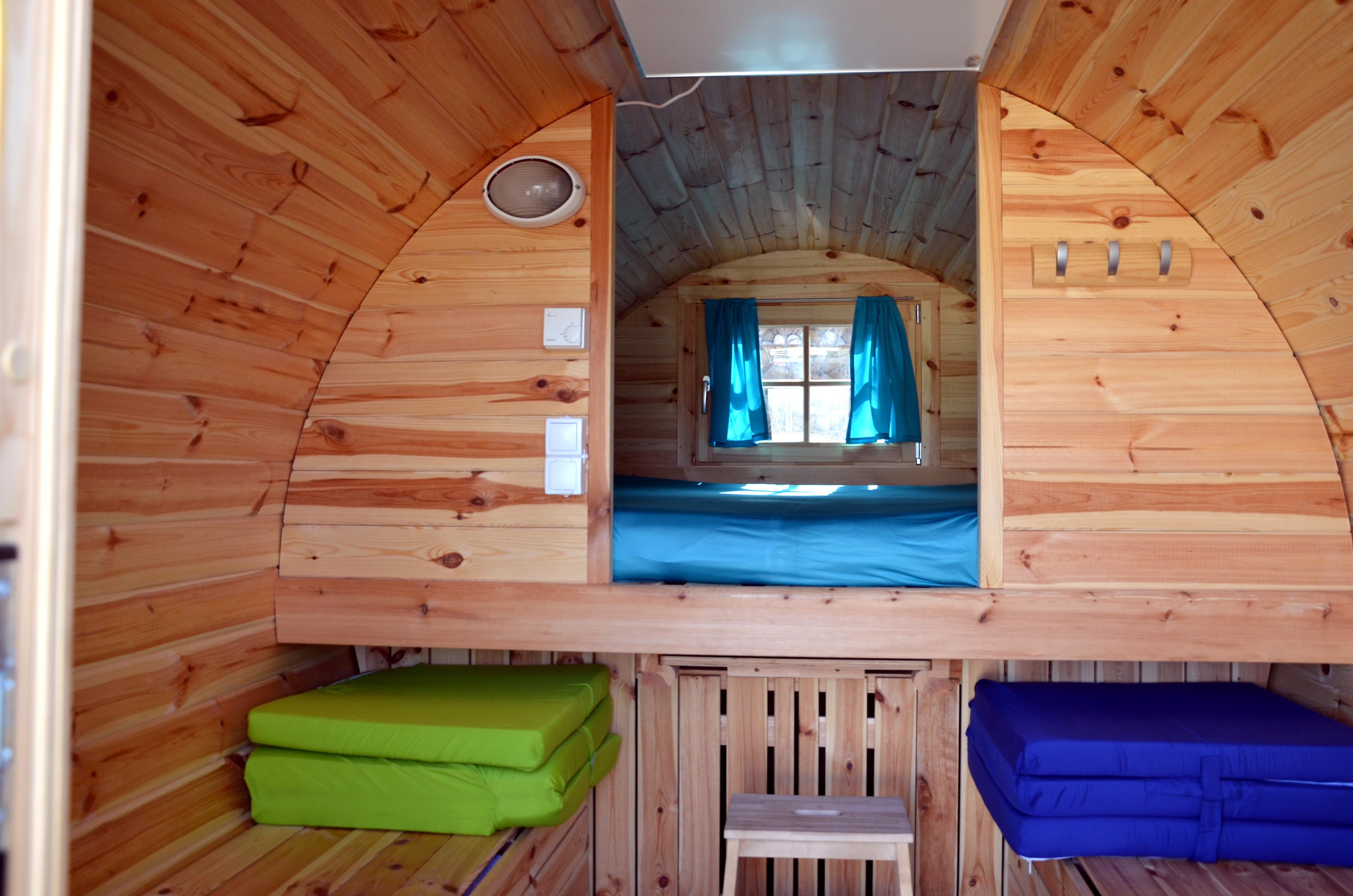 schlaffass seencamping krauchenwies. Black Bedroom Furniture Sets. Home Design Ideas